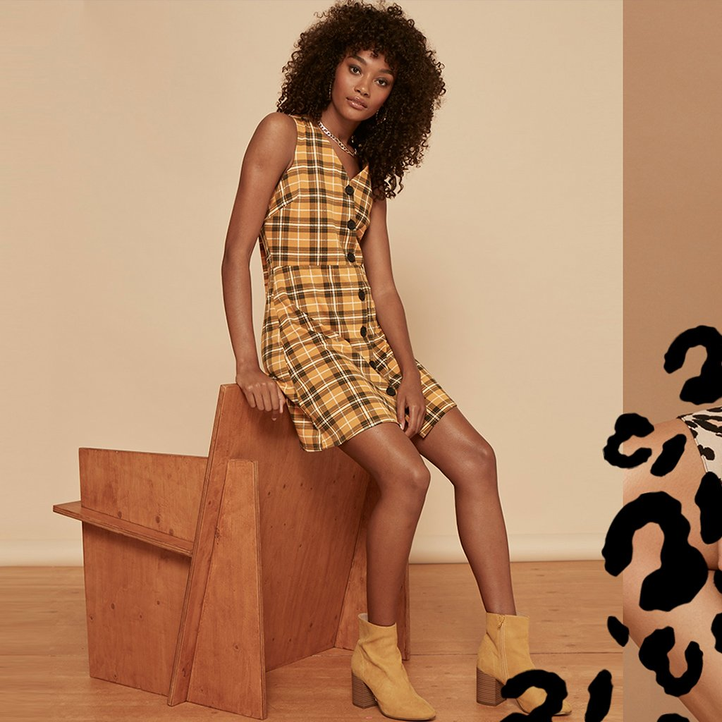 One for your checklist – the cool girl dress coming soon. https://t.co/yWnrXMs7bo