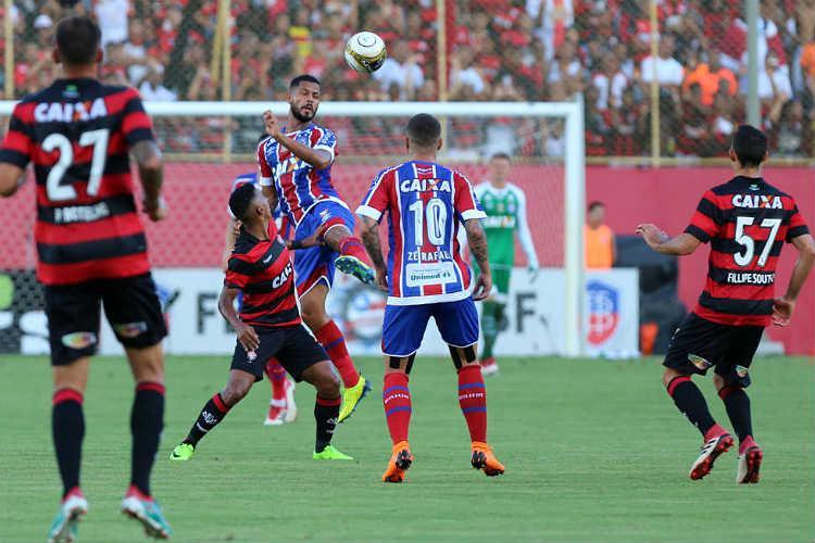 Em confronto direto, Bahia e Vitória fazem primeiro clássico neste Brasileirão https://t.co/66fbhkkWrD