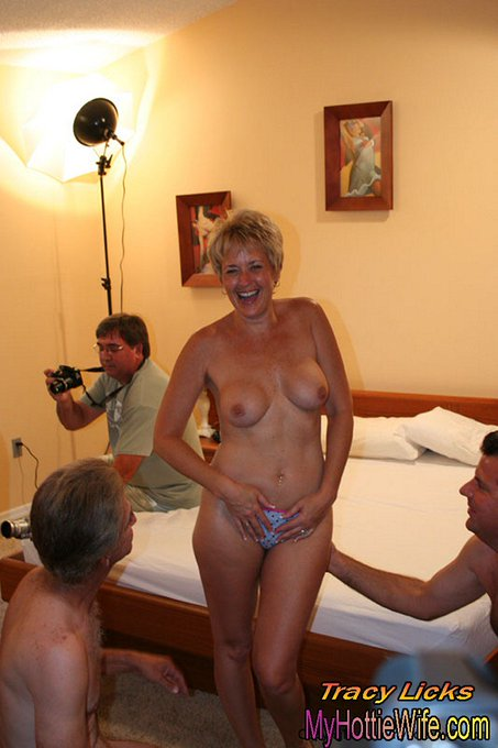 It's #sexysunday. Check out my hot summer #gangbang. FREE TRAILER https://t.co/X77fOuMTs2 #sexymilfsite