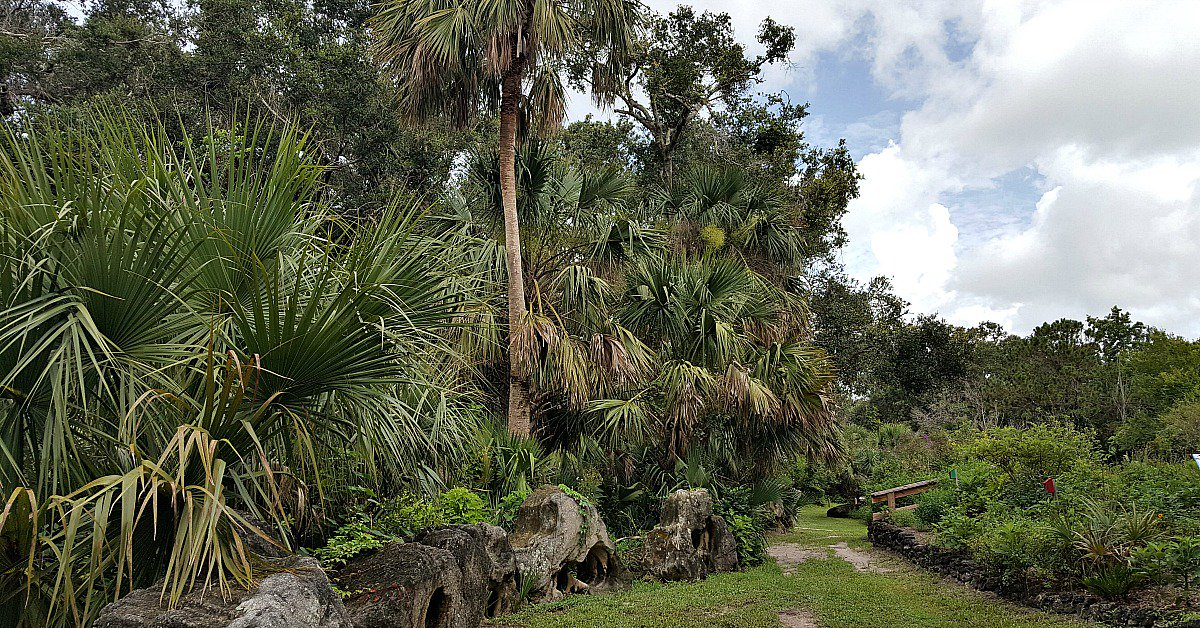 Titusville Enchanted Forest valeriewashere.com/titusville-enc… @VISITFLORIDA #visitflorida