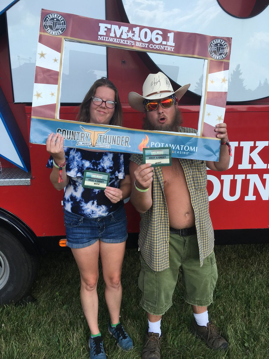 Fm1061 on twitter congrats to some of our brettyoungmusic and and lukebryan meet and greet winners we are here all night with some on stage passes to give away for brett young at 630 and luke bryan at m4hsunfo