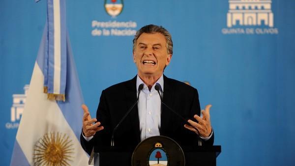 'Tormenta', el significante que usa Mauricio Macri para evitar hablar de la crisis https://t.co/5iZ9vZT2Mk