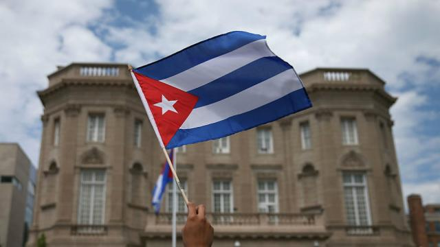 Draft of new Cuban constitution backs away from communism, allows same-sex marriage https://t.co/ISogM49v9k https://t.co/S4NHMc8hfY
