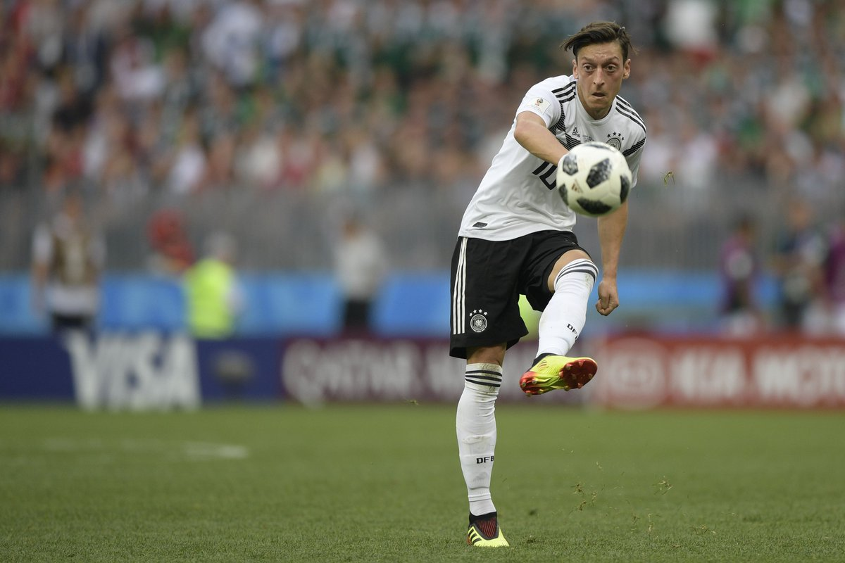 5.5 - @MesutOzil1088 created more chances per 90 minutes than any other player at the 2018 World Cup (minimum 90 minutes played). Tackled.