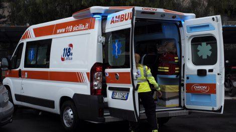 Maltempo, ramo di albero cade su un camion in transito dalla A18: feriti i due passeggeri - https://t.co/KmuCwMs6rE #blogsicilianotizie