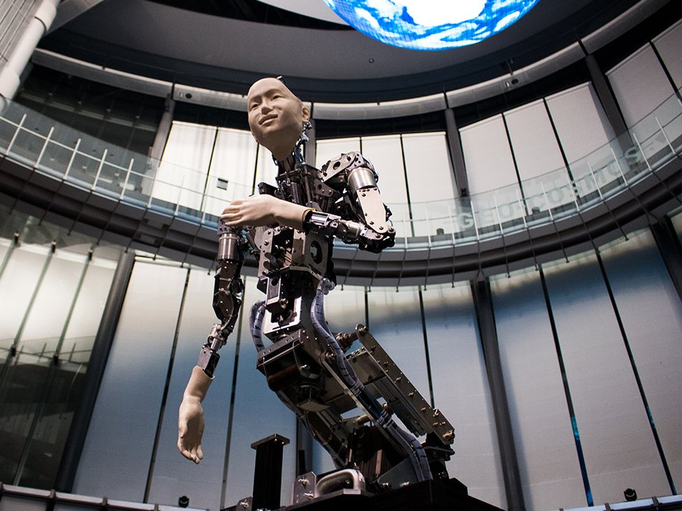 渋谷慶一郎が手がける、アンドロイドとオーケストラの共演。人間は機械に共感を覚えるか? #プロダクト #ロボット #人型ロボット #アート #インタラクティブ #音楽 #テクノロジー #AI(人工知能) https://t.co/KIHcCQZWXy