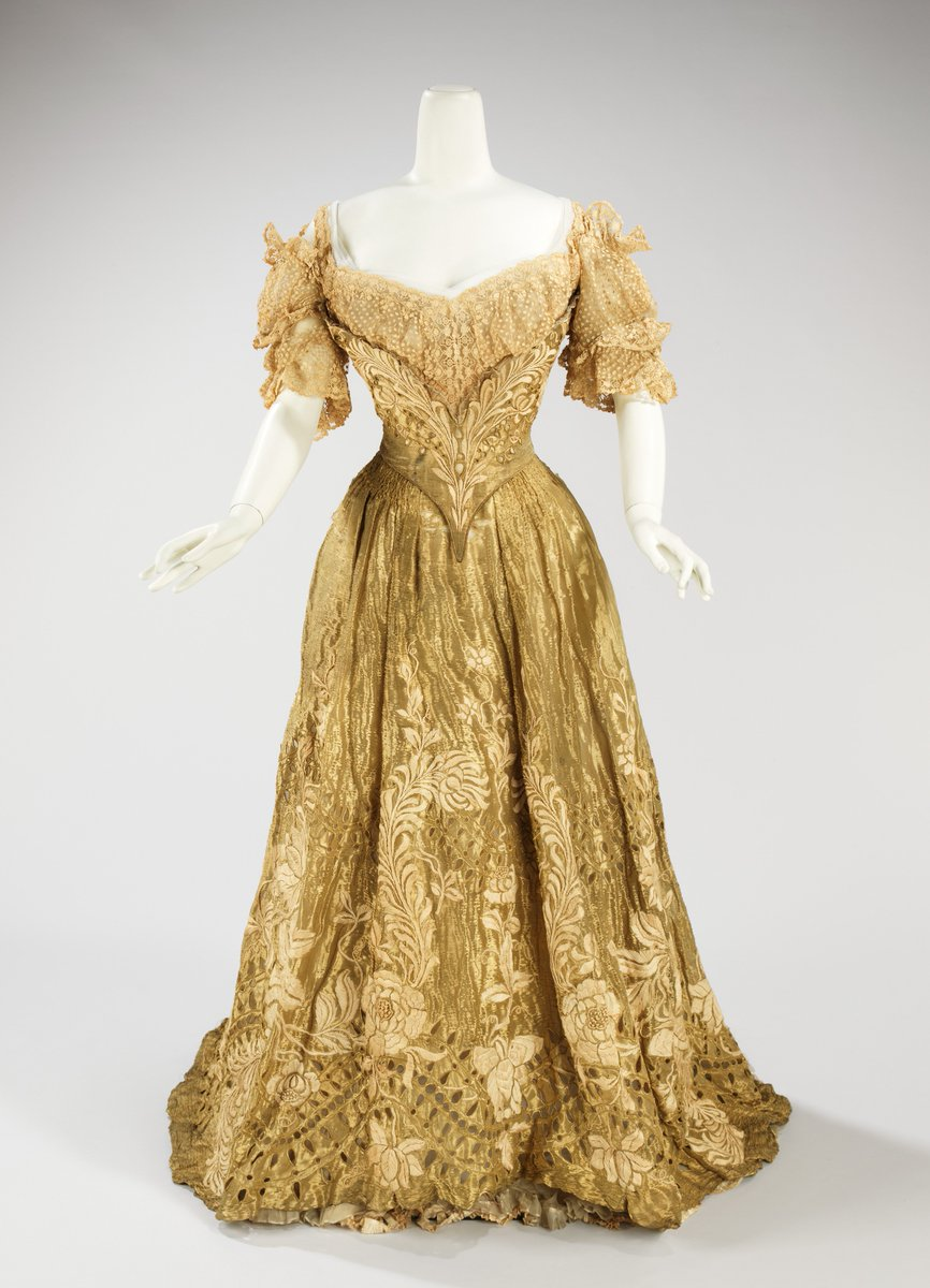 This piece is an exquisite example of a lavish ball gown made by Jacques Doucet, head The House of Doucet, of one of the grandest French couture houses of the period. https://t.co/3NTHpvONie