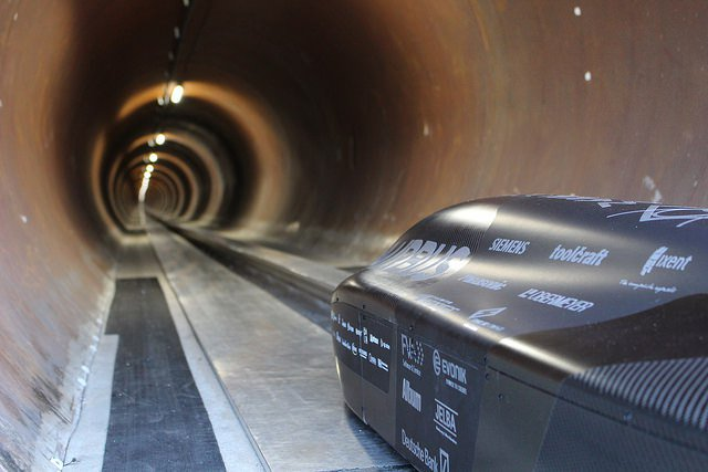 SpaceX hyperloop pod competition winner breaks speed record https://t.co/obO5p8Q3MA by @kirstenkorosec