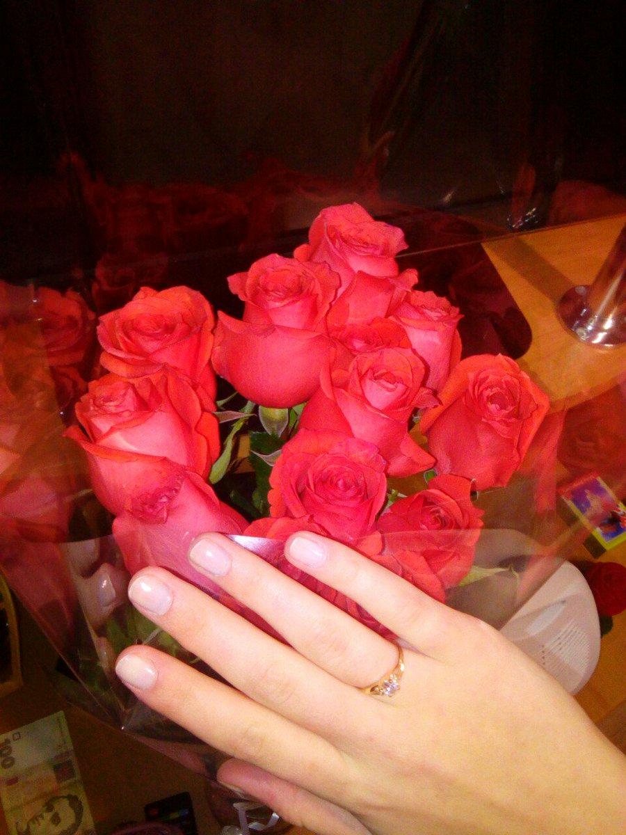 фото букета цветов с кольцом начнется реакция, постепенно
