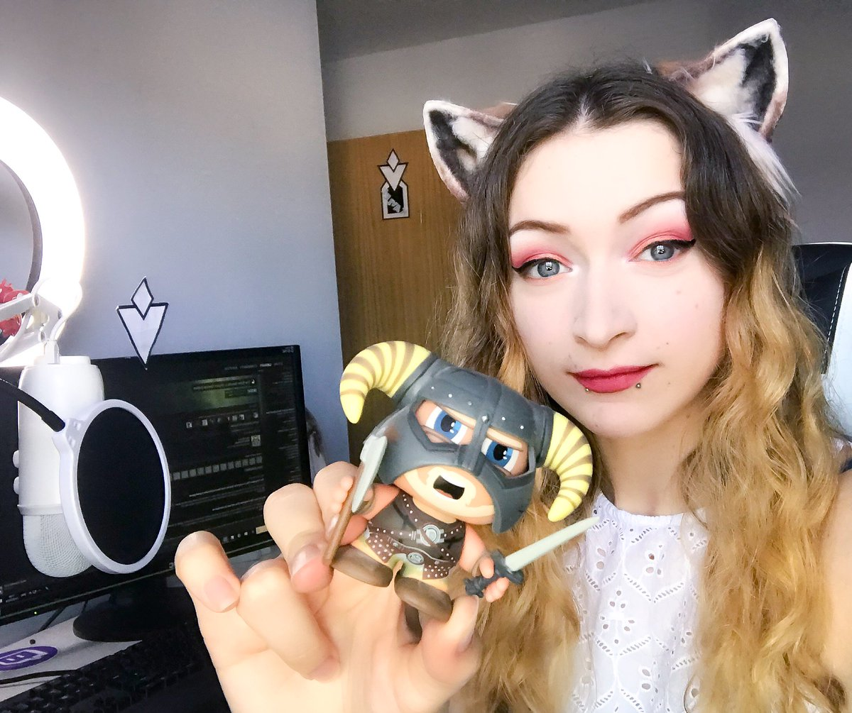 LIVE NOW!    http://www. twitch.tv/kayPOWXD  &nbsp;    MAGIC MONDAY, spending time with our Dragonborn after @RaptureFest. SPECIAL announcement coming at 6PM BST. Don't miss it, or you'll forever be a Netch fart!   Positivi-tea, chaos and clumsyness!  @ElderScrolls #Skyrim   UK<br>http://pic.twitter.com/svbCUJ2rjk