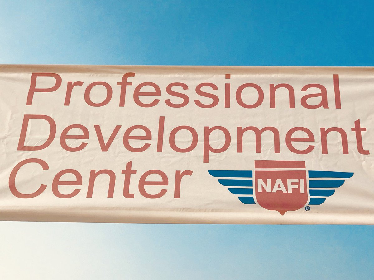 #Pilots and #FlightInstructors at #OSH18: Join the conversation with @NAFIInstructors today at 12:00 pm CT. #FlySafe