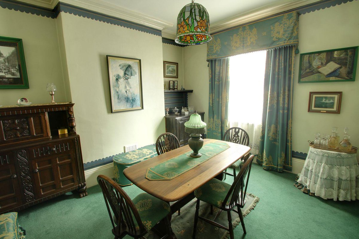 This three bedroom end terrace cottage is within a stones throw of Derby Railway Station. flinklp.haart.co.uk/ForSaleV5/?pro…