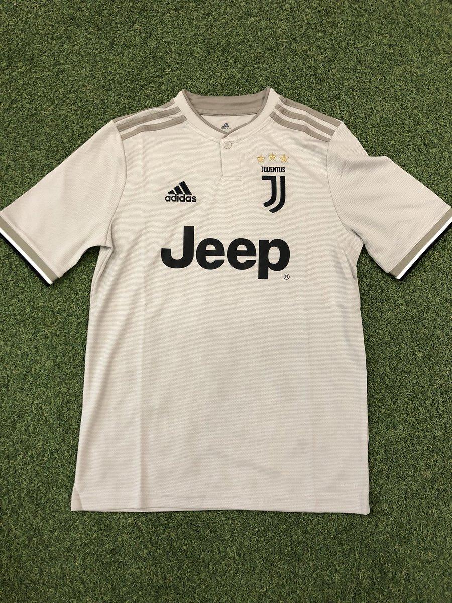 Juventus Kit Thread - Page 2 Diz7UE0W0AAgCiG