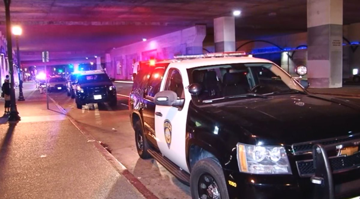 A grief-stricken father is demanding justice for his daughter after she and her sister were stabbed on a BART platform Sunday night. #BART  #Oakland #BARTcrimecrhttps://t.co/gFYPOHB9fWime