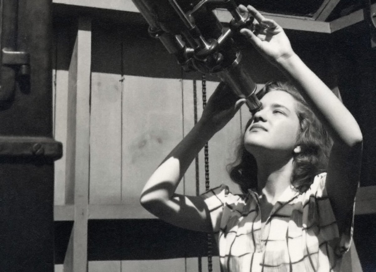 It's the birthday of the pioneering astronomer who discovered the first direct evidence of dark matter, Vera Rubin, born #OnThisDay in 1928 🔭 https://t.co/LwCONZagtS  #WomenInSTEM