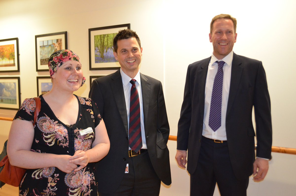 Three years ago we were honoured to be visited by the late, great Dr Kate Granger. On international #HelloMyNameIs day, we are remembering Kate at UHCW, and the amazing campaign she established. Here's Kate with our CEO Andy Hardy and former CNO @MRadford_DONi