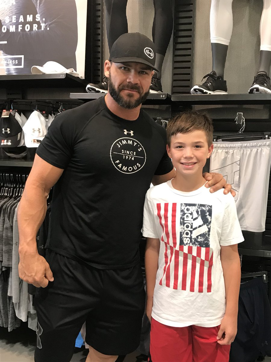 Picking up some football cleats today was GLORIOUS for this boy today thank you @REALBobbyRoode made his day #glorious