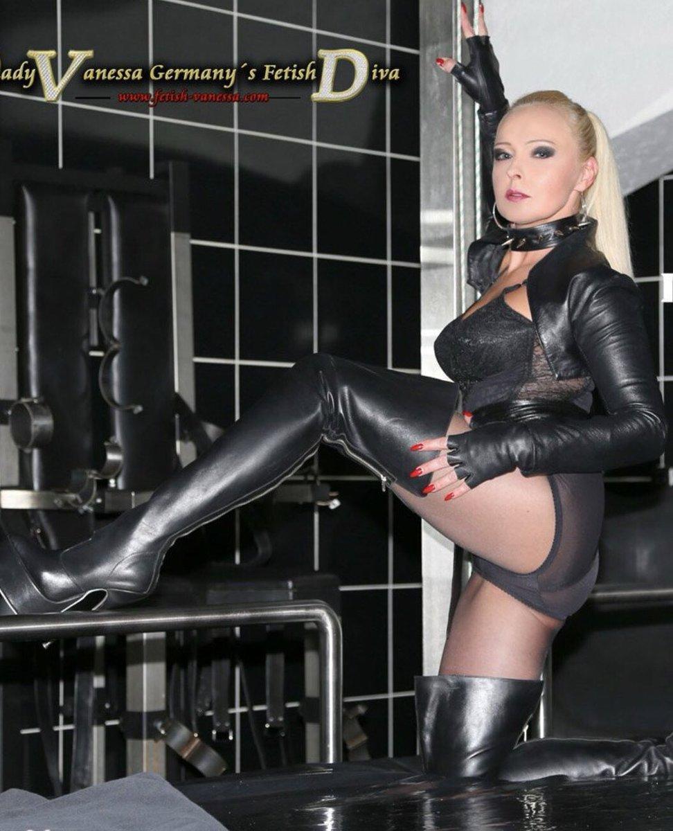 rods-and-fetish-model-vanessa-g-porno-bitch-sexy