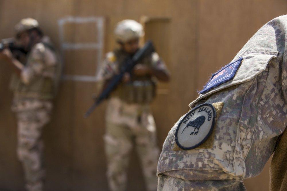 جهود التحالف الدولي لتدريب وتاهيل وحدات الجيش العراقي .......متجدد - صفحة 3 Dj-oE8xVsAATcmi
