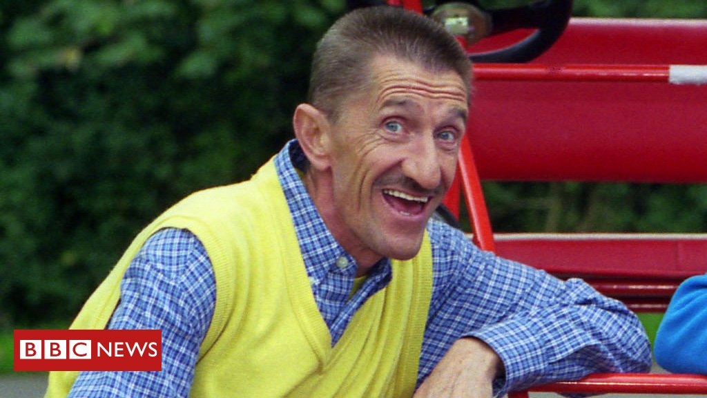 Barry Chuckle, half of the comedy duo the Chuckle Brothers, has died aged 73 https://t.co/mQWuhFYLOI
