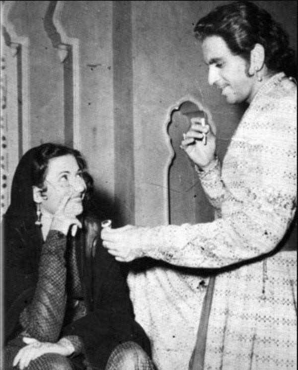 """Film History Pics on Twitter: """"Dilip Kumar and Madhubala share a light  moment, during the shoot of MUGHAL-E-AZAM : released today in 1960… """""""
