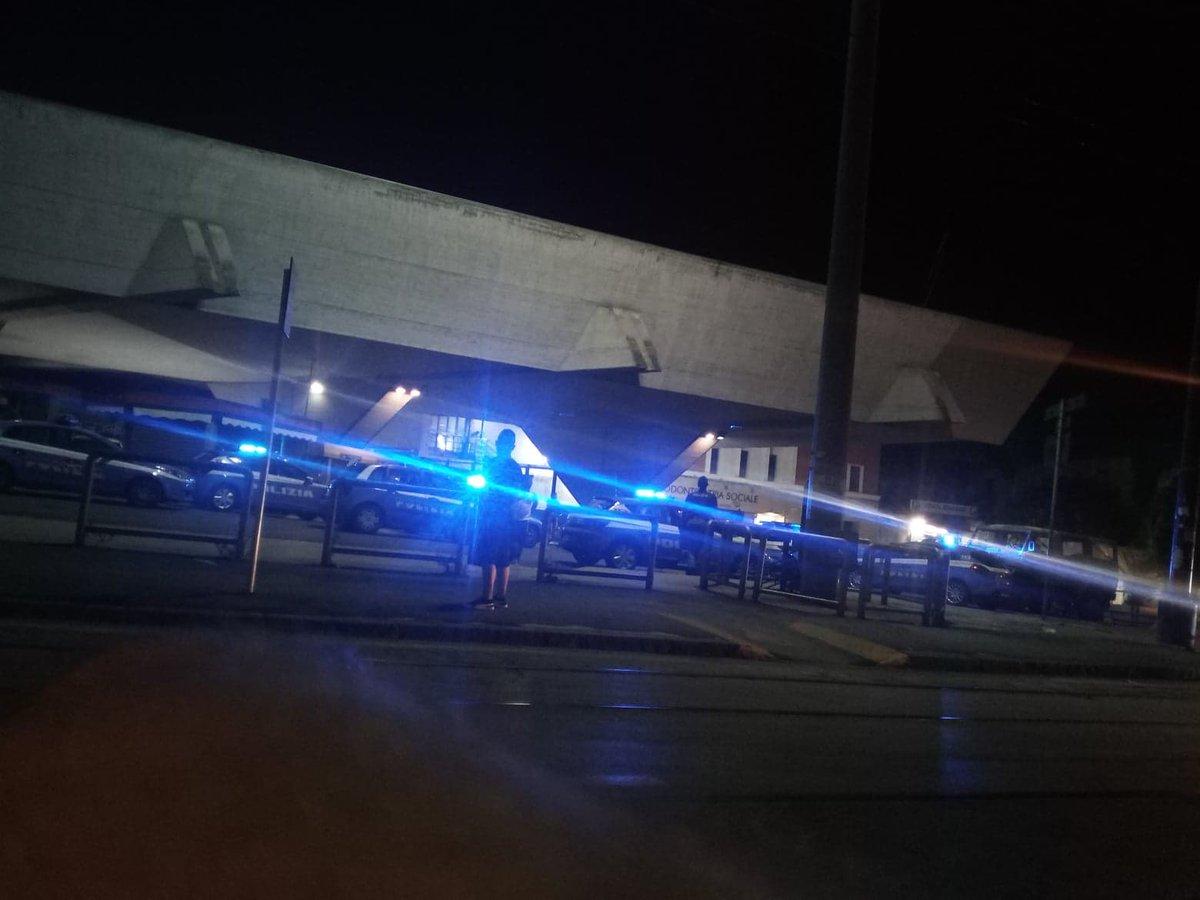 #Napoli, sabato notte: blitz a Porta Nolana, 8 auto della Polizia e 1 dell\