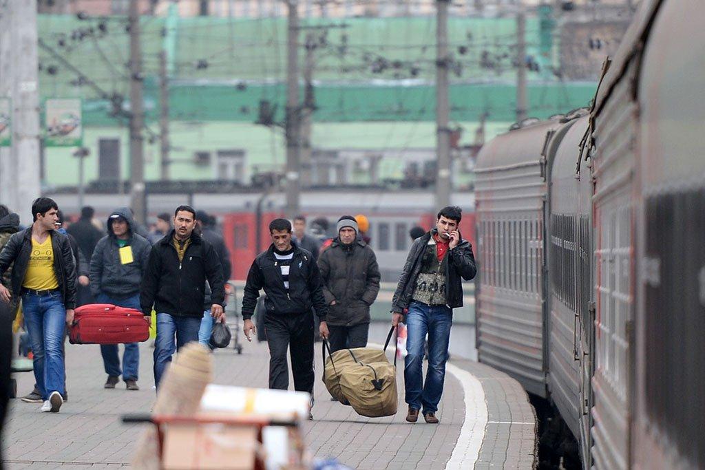Девки эмигрант в россия узбекистан женщины