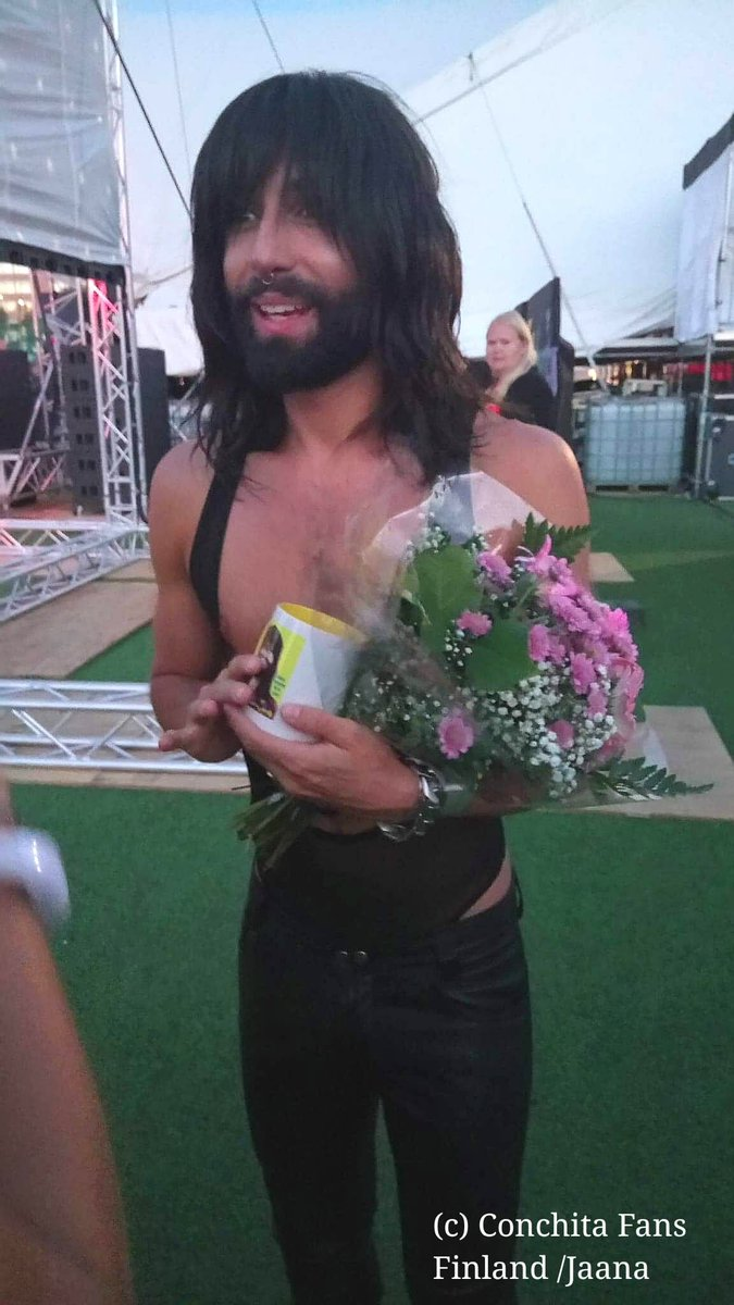 Thank you for a lovely performance last night at @stockholmpride @ConchitaWurst  So wonderful to see you here in the north again  #EuroPride2018<br>http://pic.twitter.com/vdo4AKrmHT