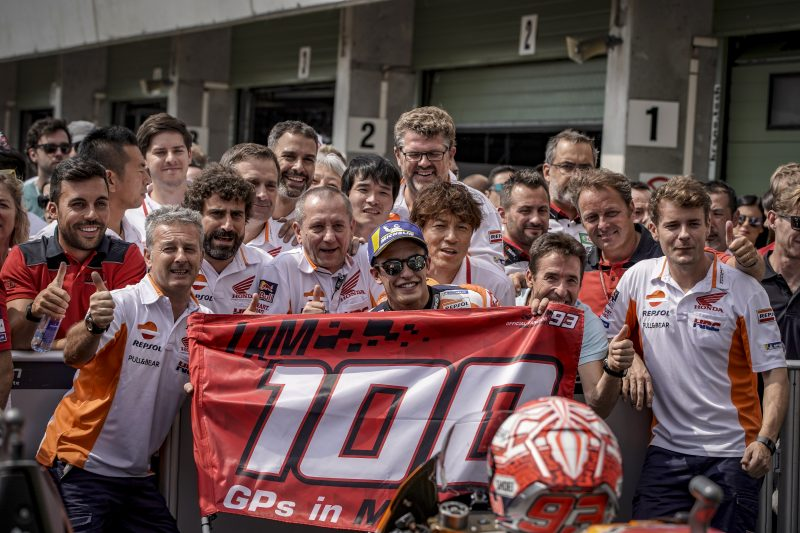 Repsol Honda - Marc Marquez celebrates his 100th MotoGP race on Brno podium, Pedrosa in eighth place  https:// motogp.hondaracingcorporation.com/report/marc-ma rquez-celebrates-his-100th-motogp-race-on-brno-podium-pedrosa-in-eighth-place/#.W2dET_iRj7Y.twitter &nbsp; …  #MM93 #DP26 #CzechGP<br>http://pic.twitter.com/6nldGtkyMc