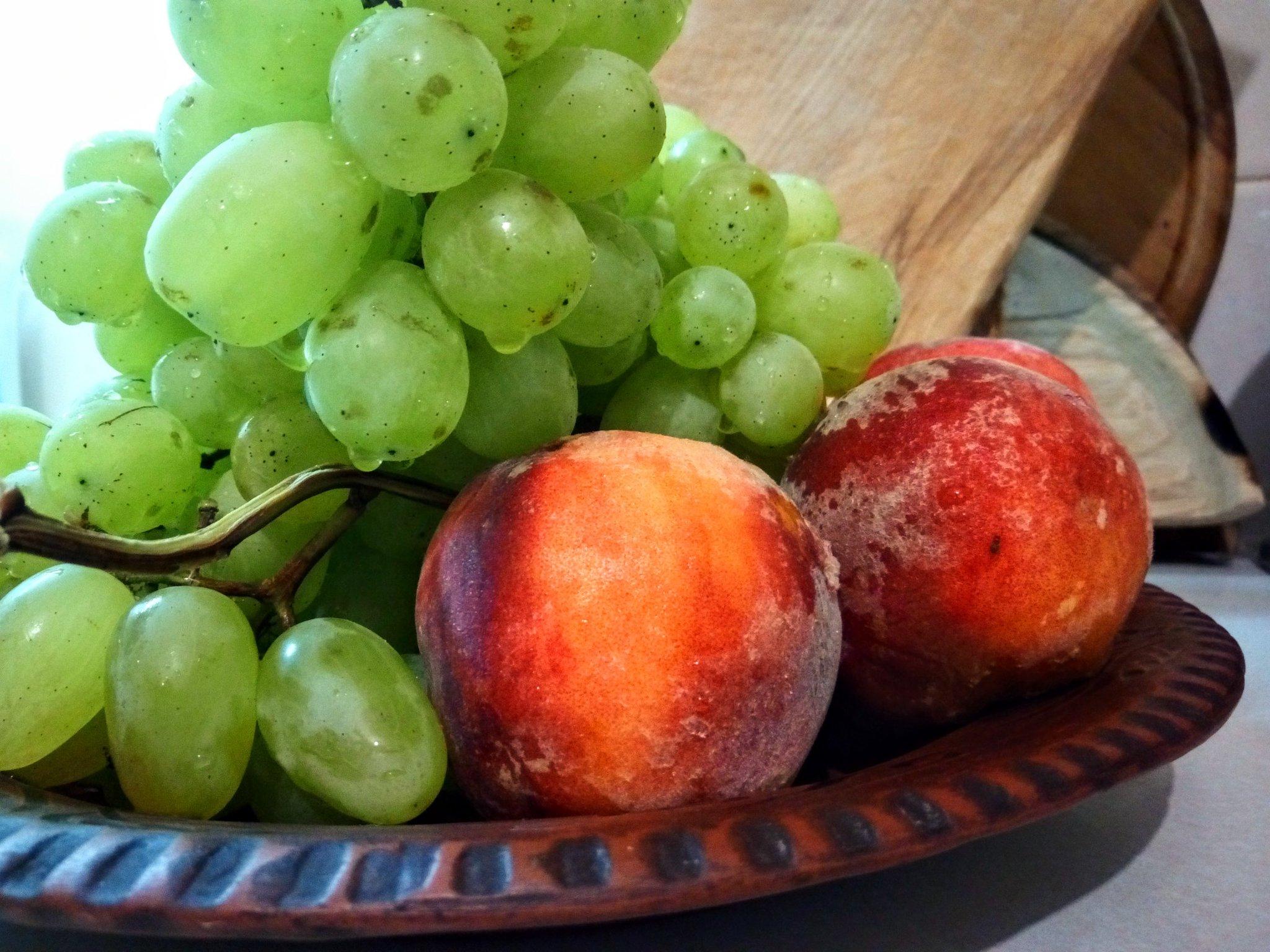точно красивые картинки персики и виноград славянских