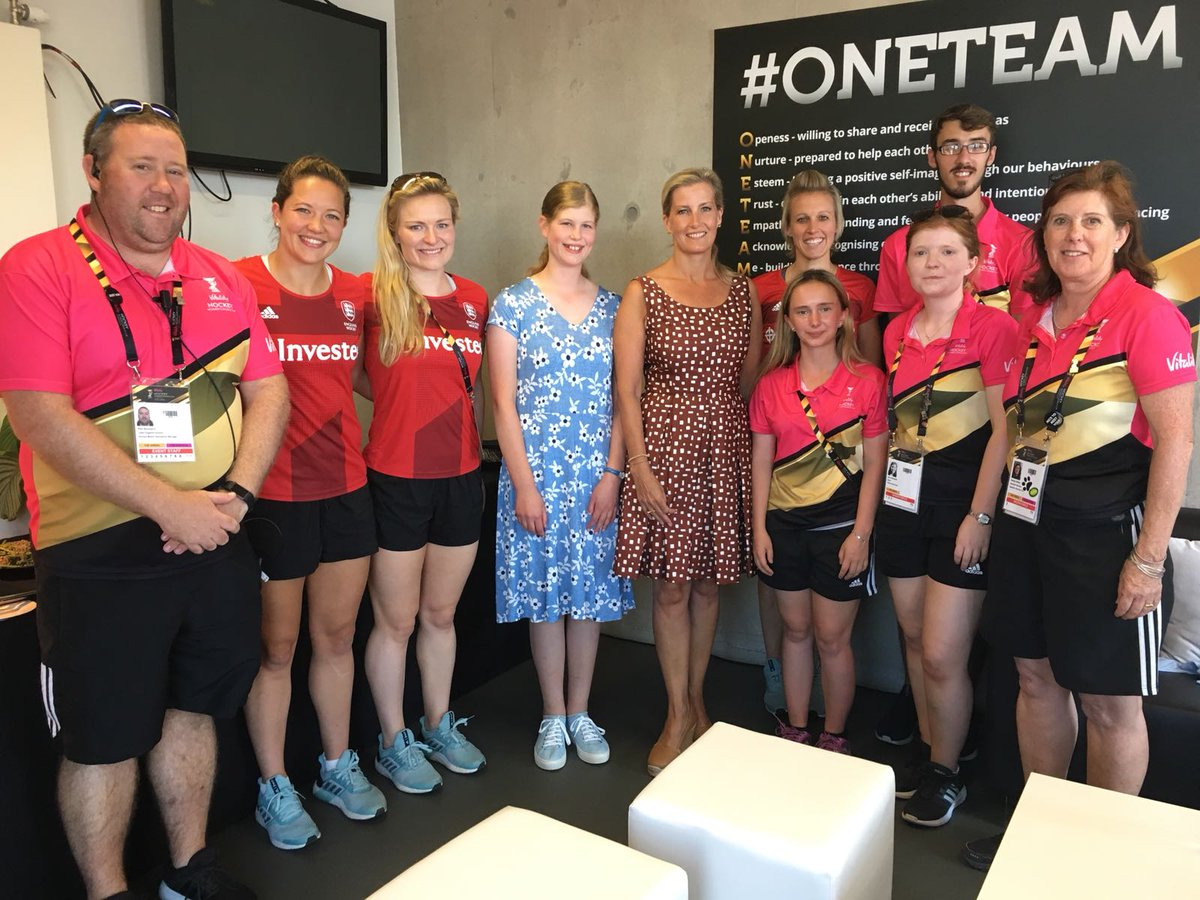The Countess and Lady Louise met @EnglandHockey players and volunteer 'Hockey Makers' at the Games. #HWC2018
