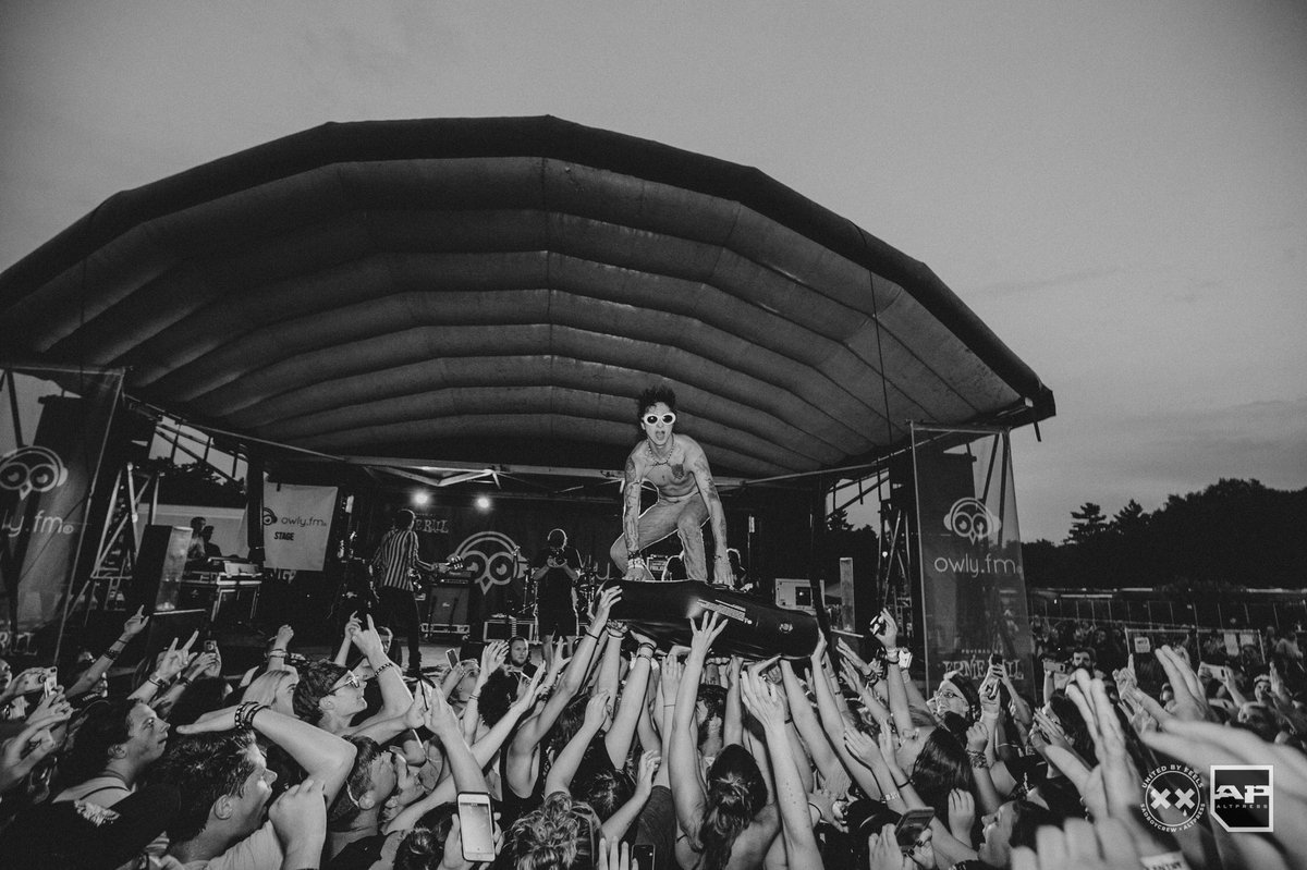 75eb2cc70eb8d6 the final show of the final vans warped tour bittersweet endings thank you  for making this