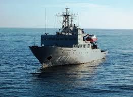 Escuadrón de buques anfibios y servicios - Página 25 Dj3L7VgX0AAJHec
