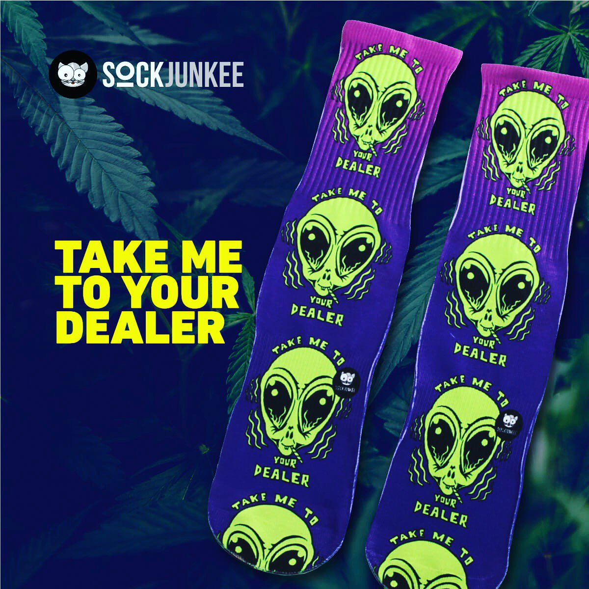 Aliens smoking that loud 👽Get abducted 🌿 -> Click link in bio to cop a pair . . . #sockgameonpoint #aliensarereal #alienlife #sockswag #sockjunkee #sockjunkie