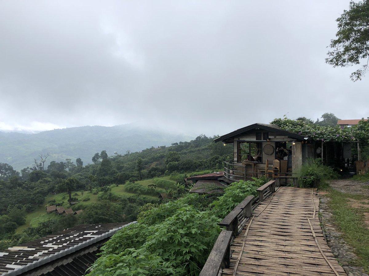วันฝนพรำ ณ magic mountain cafe #reviewphayao #ReviewThailand #รีวิวพะเยา<br>http://pic.twitter.com/dSOLILzQti