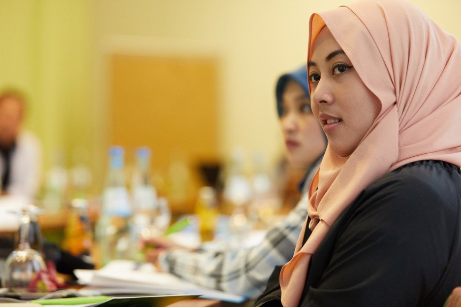 indonesian-young-women