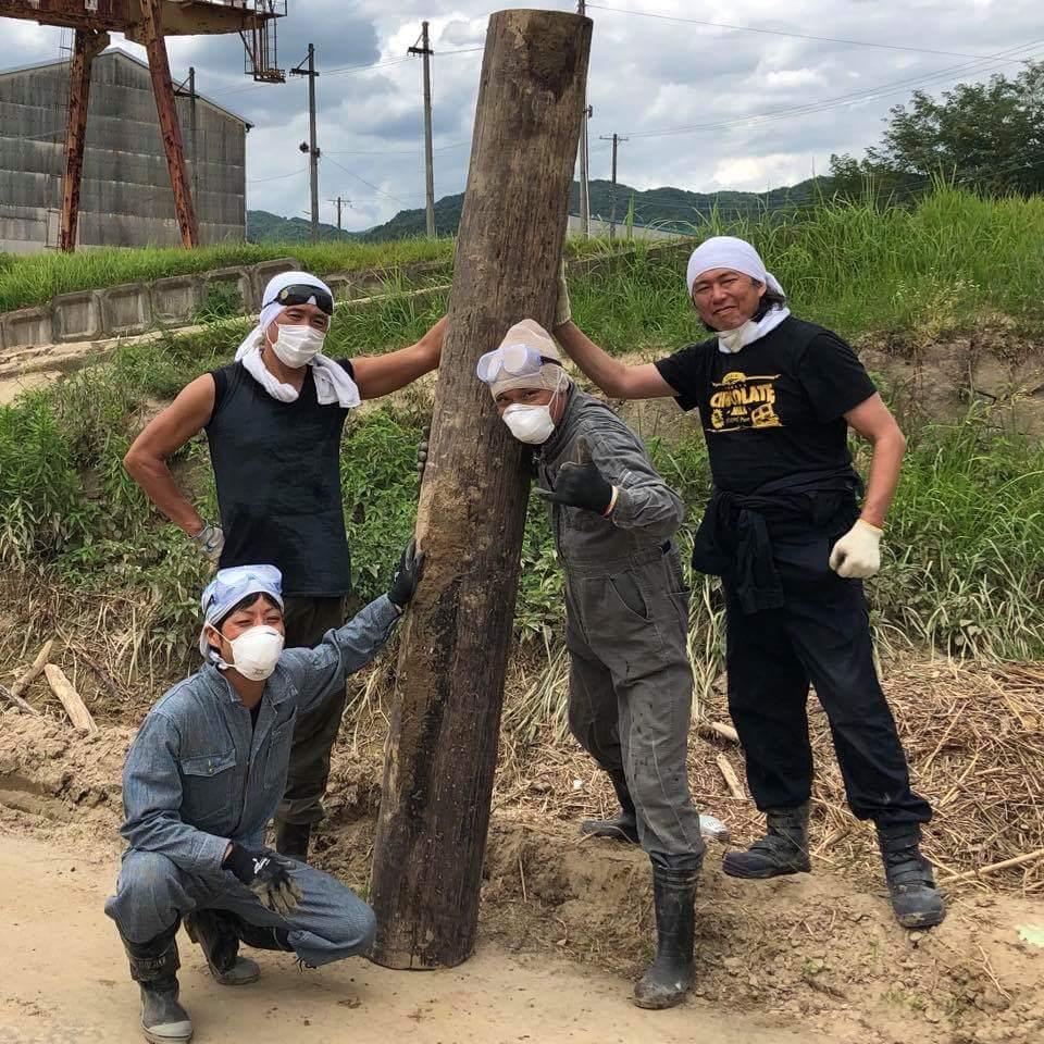 【目撃情報】広島の被災地で吉川晃司がボランティア活動「さすがかっこいい!」「地元愛ですね!」