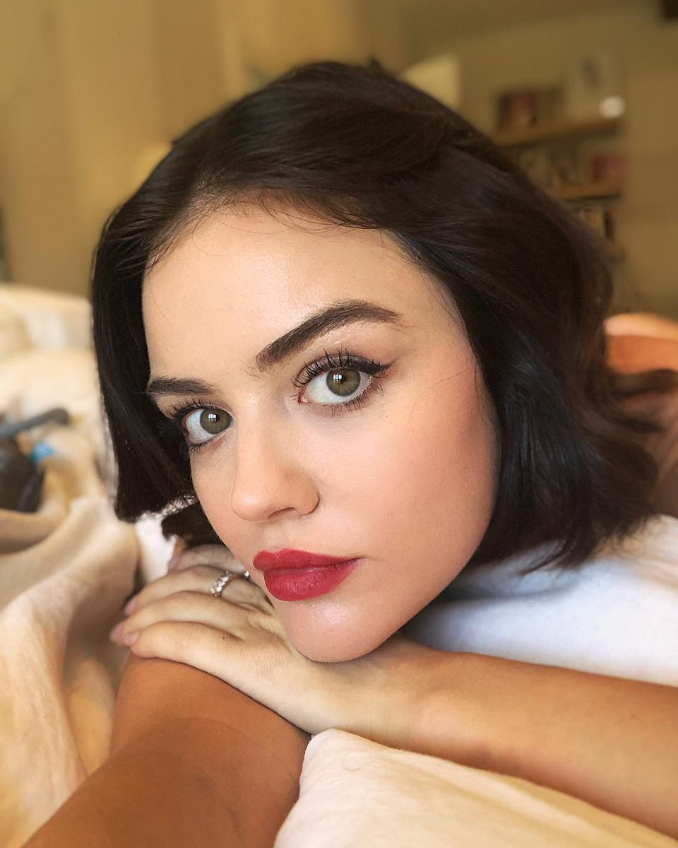 Lucy Hale  - Dressed up l twitter @lucyhale