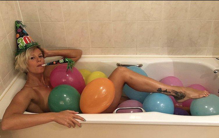 #FedericaPellegrini ha festeggiato il suo compleanno così... MERAVIGLIOSA!Tanti auguri divina! http:// www.nuotoinpiscina.it#nuoto #europeinuoto #swimming #piscina #swimmingpool  - Ukustom