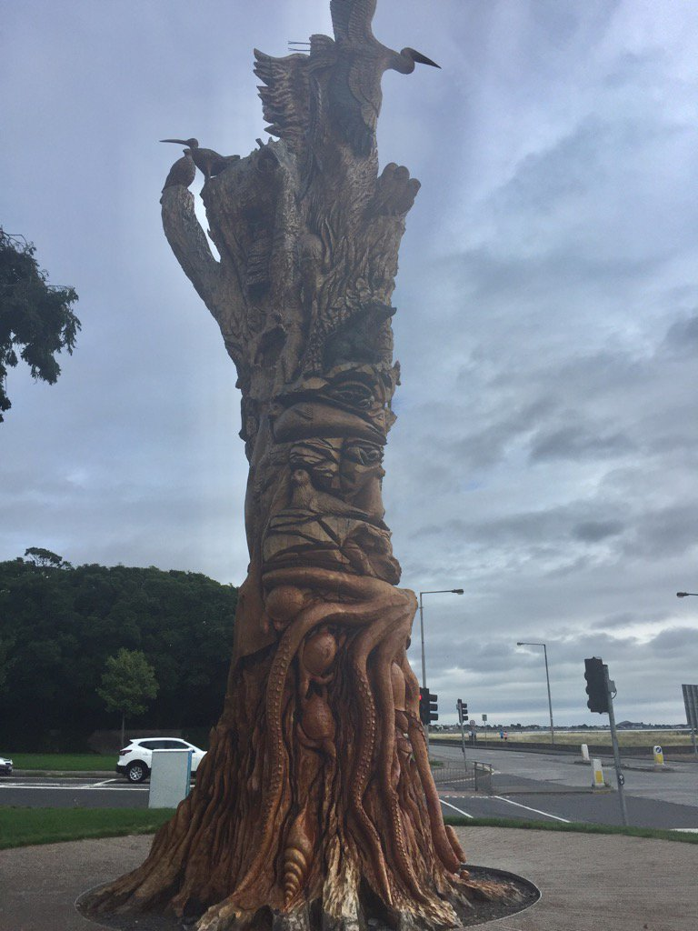 Love the carved tree in st. Anne's. Apparently it's the work of an English chainsaw carving champion. Who knew?