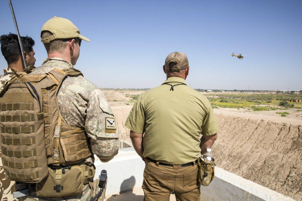 جهود التحالف الدولي لتدريب وتاهيل وحدات الجيش العراقي .......متجدد - صفحة 3 Dj6LlJnVsAAPIB4
