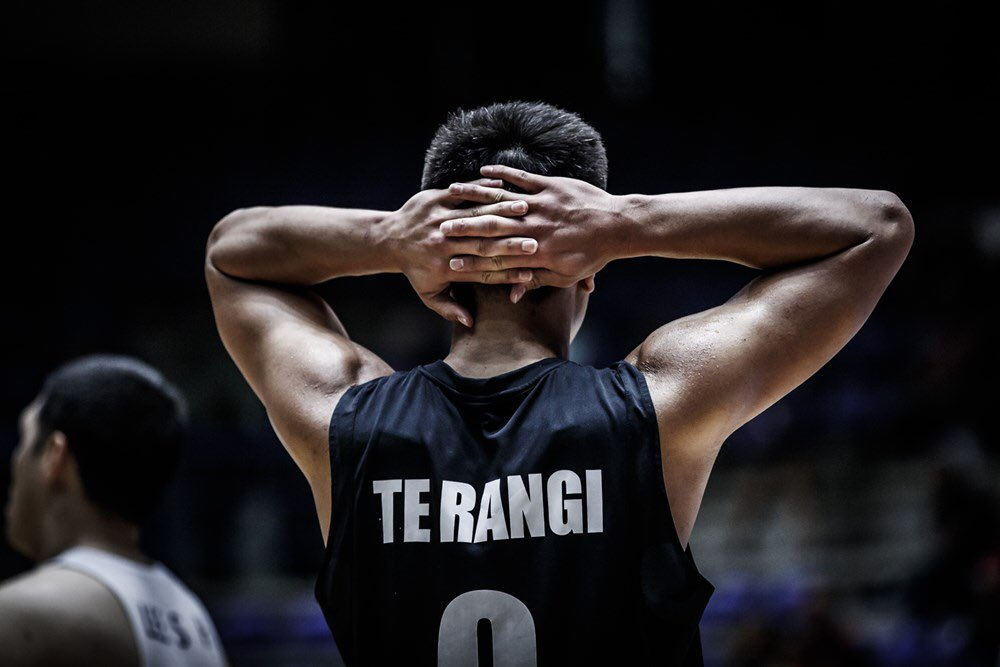#Mood 🙆♂️ with Reuben TeRangi from the 🇳🇿 @TallBlacks back at the 2017 #FIBAAsiaCup