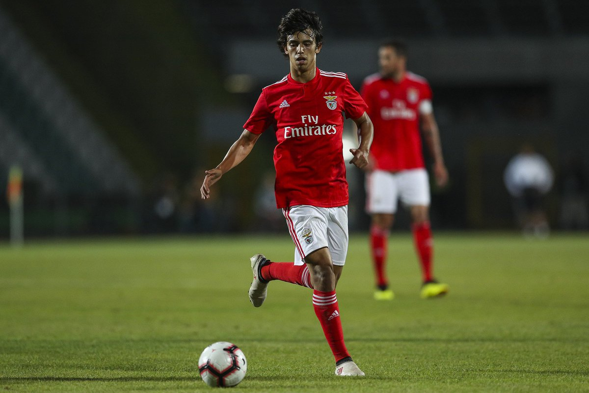 West Ham remain in talks with Benfica over the signing of attacking midfielder Joao Felix, according to Sky sources.  More: http://skysports.tv/GpV2gf