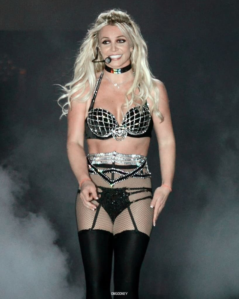 """Britney Spears on Twitter: """"I've always loved the UK and this night just  made me love it even more 🌈🌈🌈 #BrightonPride… """""""