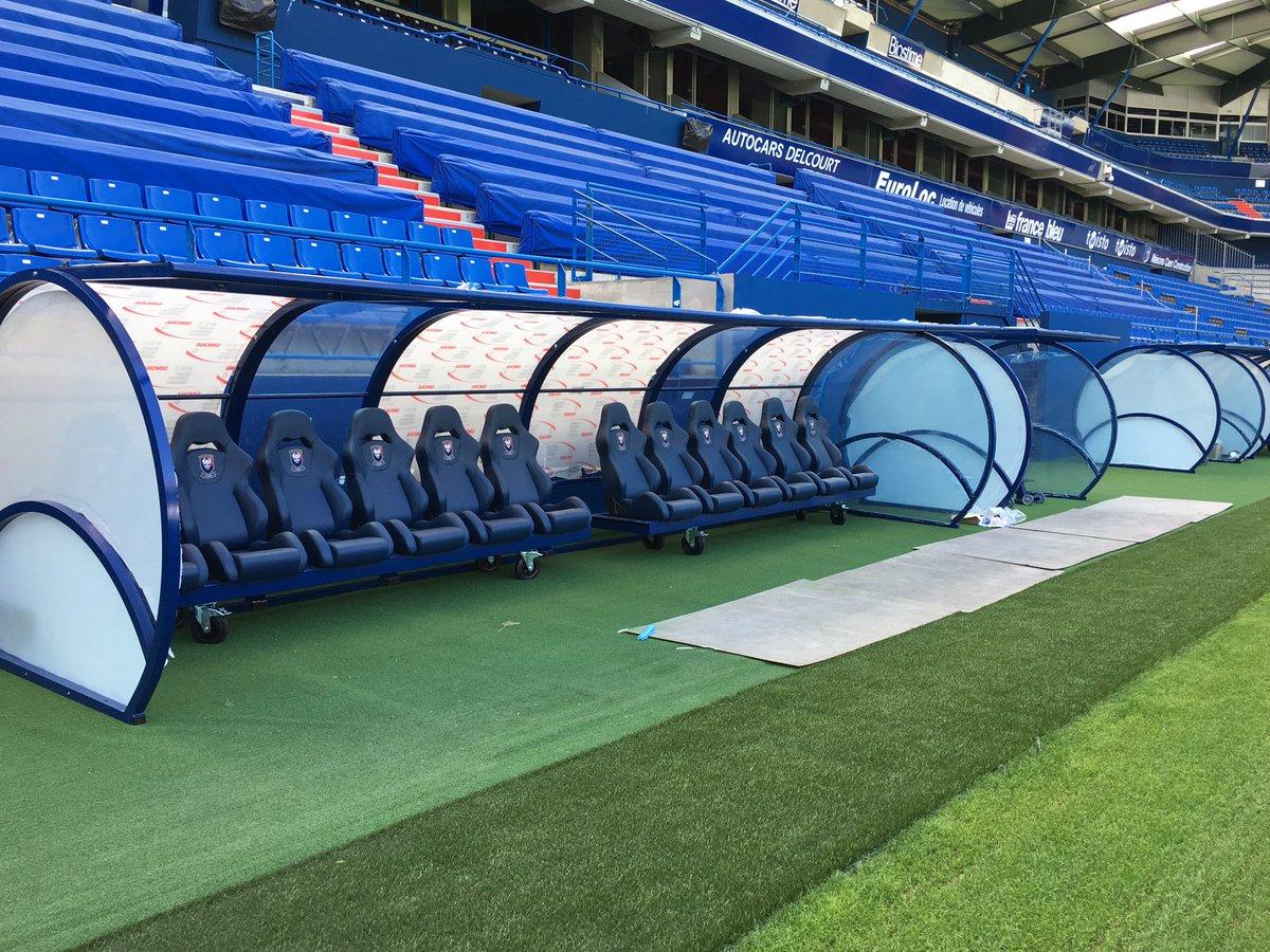 Stade Malherbe Caen On Twitter Installation Des Nouveaux Bancs