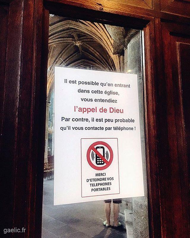 Appel de Dieu (God's calling) 2018 France Auvergne Cathedrale de Moulins #trip #roadtrip #god #contact #tech #technology #dieu #phone #religion #travel http://bit.ly/2OLFMbZ  - FestivalFocus