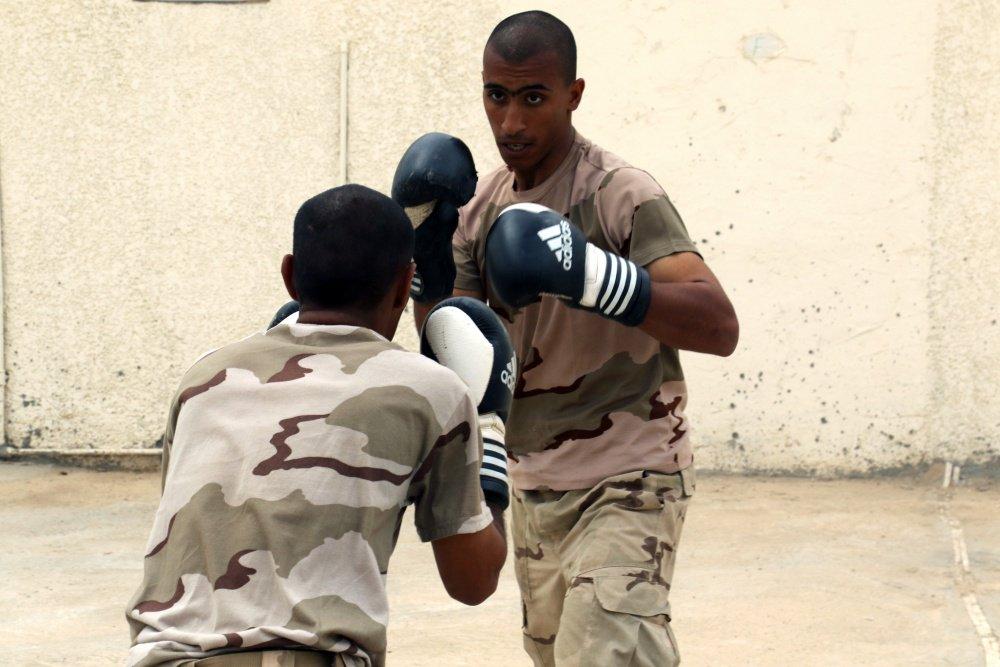 جهود التحالف الدولي لتدريب وتاهيل وحدات الجيش العراقي .......متجدد - صفحة 3 Dj7ekwBW0AQh1a7