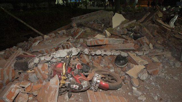 Pasca-Gempa 7,0 SR, PLN Pulihkan Listrik Fasilitas Layanan Publik di Lombok https://t.co/ZvlEuxatpW https://t.co/nrbxinlMn9