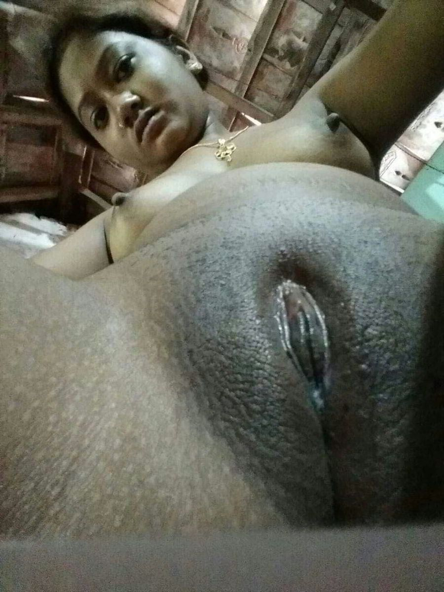 Hot telugu hijra showing pussy and boobs to village men porn indian image