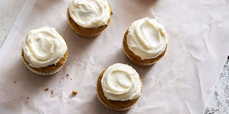 Pumpkin Spice Cupcakes with Cream Cheese Frosting https://t.co/wvgodnHMRo https://t.co/LUuMHFLVM8